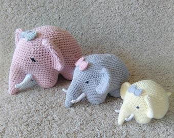 Nursery decor, crochet nursery  decor, crochet elephant in 3 sizes, crochet toys, set of 3