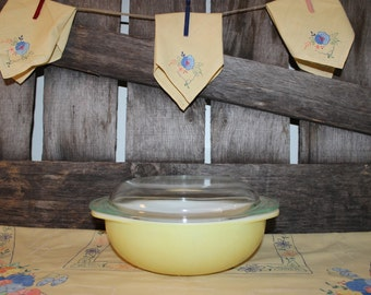 Pyrex Yellow Desert Dawn 024 with lid   ***price reduced 11/30***