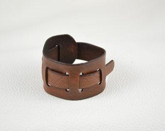 Leather bracelet, no buckle