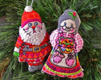 Vintage Embroidered Mr and Mrs Santa Claus Christmas Ornament Set of 2