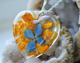 REAL FLOWER NECKLACE - Transparent Resin Jewelry With Real Flowers- Blue Pendant