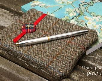 Harris Tweed, Herringbone, Tweed, Wool, Tartan, Charger Bag, Travel Purse, Zip Purse, Money Purse, Mobile Purse, Pouch, Brown Bag, #wool