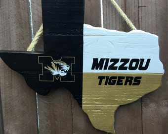 Rustic Wooden University of Missouri Texas Shaped Flag Door/Wall Hanging