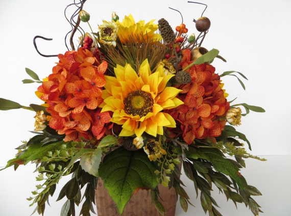 Fall sunflower floral arrangement centerpiece