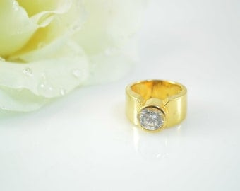 925 Gold Gilt Bezel Set CZ Ring Size 5.75 - 9.4g