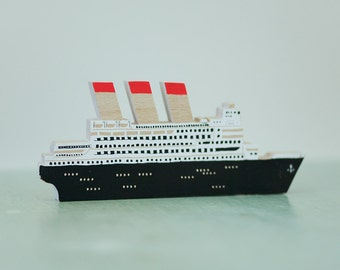 CRUISE SHIP | Object wood decor. Screen printing 3 colours