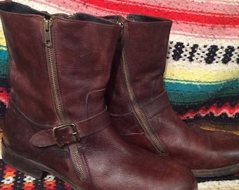 FRYE USA brown leather man's harness biker square toe broken in 13 D boots