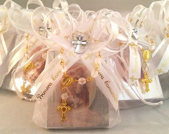 First Communion Favors 12pc / Prayer Books. -Spanish- (12) Orgaza Favor Bags. (12) . Mi Primera Comunion Recuerdos - Party Pack