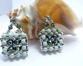 Crystal N Pearl Embellished Square-Mint