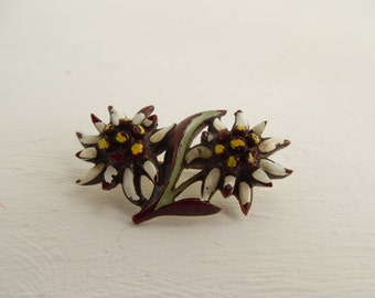 Vintage plastic brooch, daisy, celluloid, old