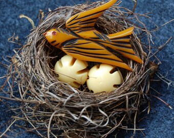 Vintage Butterscotch Bakelite Carved Bird Brooch