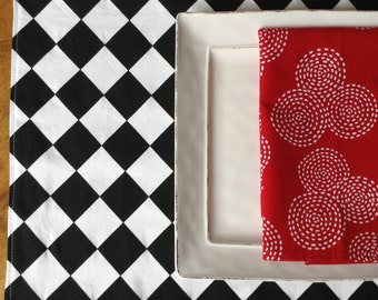 Black and White Placemats, Diamond Pattern Placemats, Black and White Table Runner