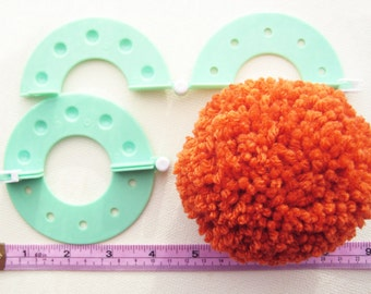 Craft Creative diy Tool: Pom Pom Maker/ Fluff Ball weaver, great for knitting or crochet projects - set of 4 sizes