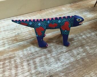 Retro Wooden Lizard Trinket