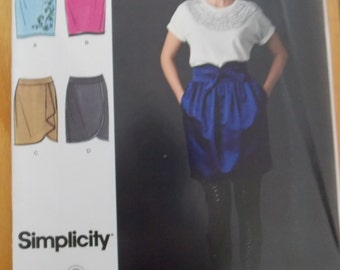 Sewing Pattern Simplicity 2512 Misses' skirts size 12 to 20