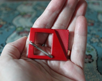 Vintage Red Art Deco Belt Buckle, BBN18