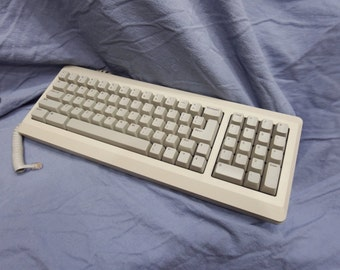 Apple computer keyboard with number pad - Model #M0110A