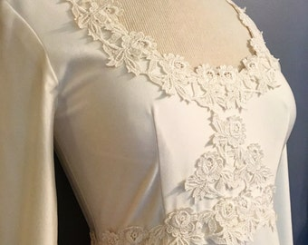 1960's bohemian style Union made wedding dress with detachable train. Size 8