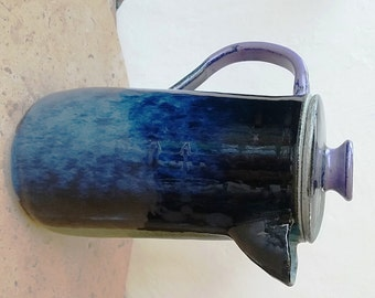 Lidded dual coloured jug/pitcher/coffee pot