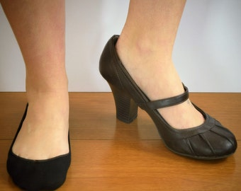 Womens Invisible Socks, Black, Padded, Low cut---Comfortable for High Heels, Flats, Weddings, Prom and More