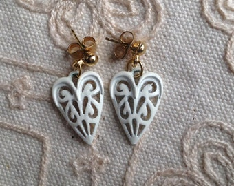 SALE: Small Filigree heart earrings, vintage enamel earrings, heart earrings, enamel heart earrings, vintage enamel earrings, filigree heart