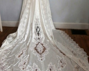 vintage long sleeve lace and beaded wedding dress Private Label by G size 14