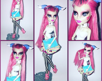OOAK Monster High Doll (School Ghoul Rochelle)