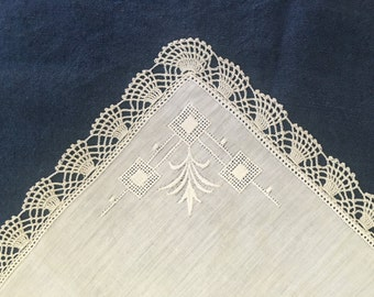 Vintage Lace Hankie, FREE SHIPPING Wedding Hand Crocheted White Bridal Hankies Handkerchief Hand Embroidery Shower Gift