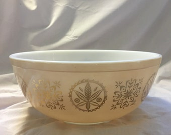 """Vintage Pyrex 404 Mixing Bowl, Promotional Pattern """"Hex Signs"""""""
