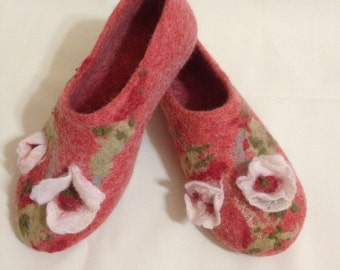 Sale-22% OFF Felted wool slippers, House shoes, Woolen clogs, Handmade slippers, Gift for her, Natural wool women's shoes