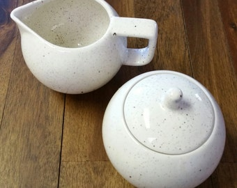Mod Sugar and Creamer - Speckled, Round, Cute!