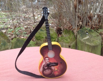 Vintage Guitar Johnny Cash Ornament Ring Of Fire Working