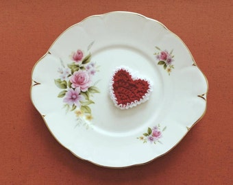 Hanging red heart with white edging