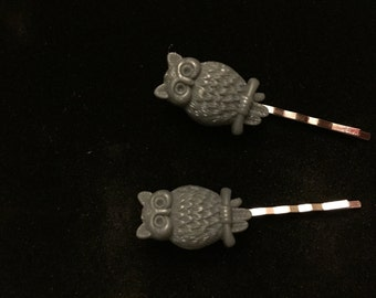 Grey owl hair clips