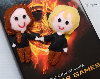 Set puppets of Hunger Games: Katniss and Peeta