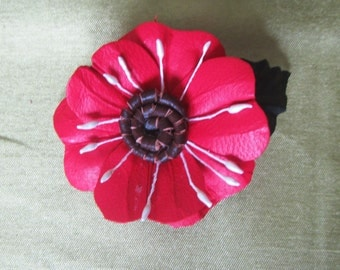 Brooch leather Red Poppy, red poppy brooch leather, red poppy Brooch lether, Red flower brooch leather, mothers day gift, flower brooch red