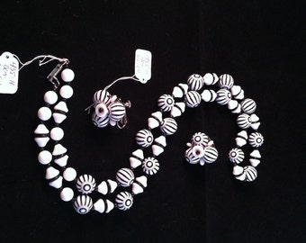 Vintage Hobé Necklace and Earring Demi Parure - Black/White Very Retro & Chic! 455