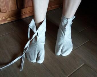HEMP Organic Tabi Socks/Vegan Socks/ Room shoes/Gray Natural non-dyed fiber cloth, Chemical Free/ Antibacterial /socks, Free Air circulation