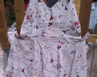 Large vintage style apron.