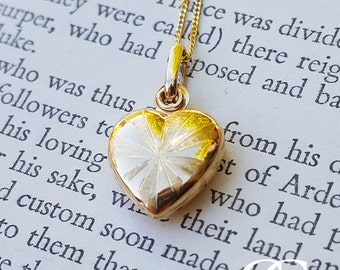 9ct Yellow Gold Heart Locket Necklace