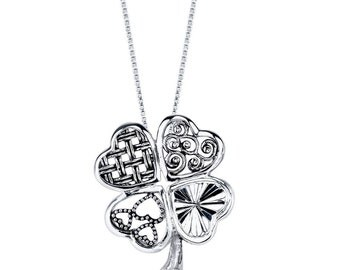 Straight from the Heart Luck in Love Clover