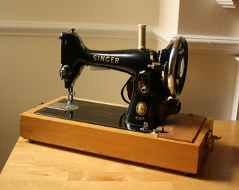 Vintage Singer Sewing Machine Model 99 with Motor K5959 and Light in Bespoke Blue Wooden Box includes Manuel, Instructions, Parts, Bobbins