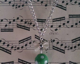 Green Lampwork Glass Handmade Necklace (silver plated) x