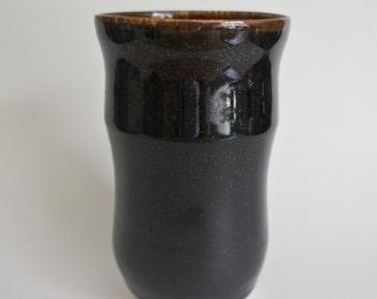 Procelaine black handleless cup