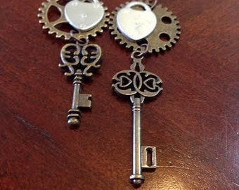 Steampunk skeleton key w/ gears & locks dangle earrings~