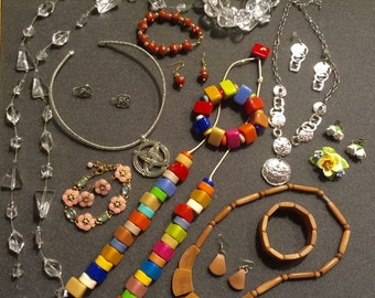 Lot of wearable, junk jewelry sets, destash for jewelry making