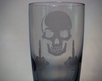 Skull giving the finger smoked drinking glass