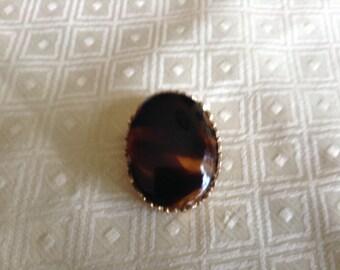 Toffee amber swirl glass cabachon pin