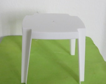 Garden table. Scale 1:12