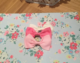 Mini ribbon hair bow on crocodile clip x3